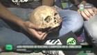 Hincha argentino lleva el supuesto cráneo de su abuelo a un festejo de fútbol