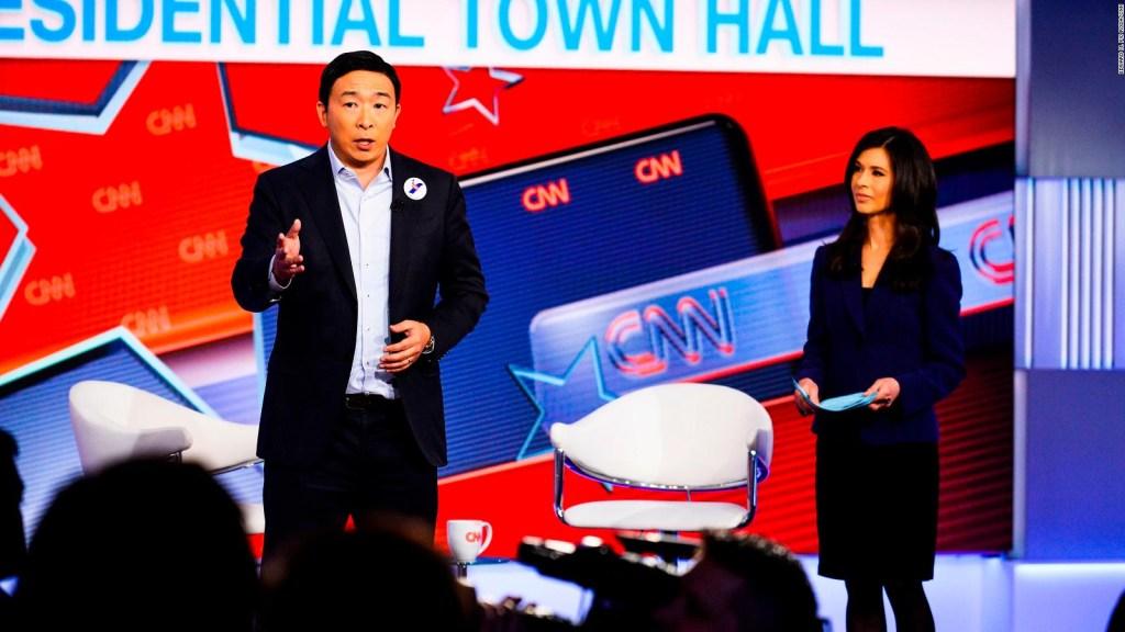 Ciudadanía para indocumentados, asegura aspirante presidencial demócrata, Andrew Yang