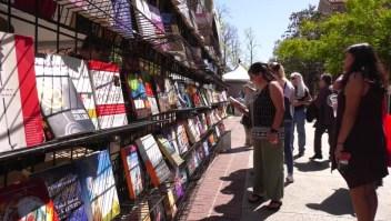 Bilingüismo presente en la Feria del Libro de Los Ángeles