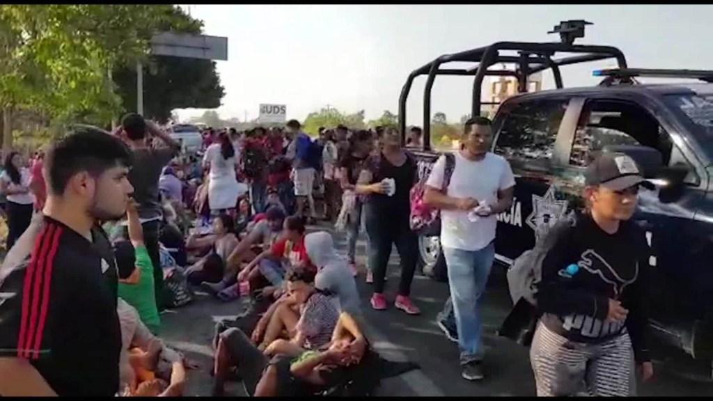 Miles de inmigrantes centroamericanos avanzan hacia EE.UU.