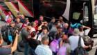 """Cientos de migrantes conforman la """"Caravana del Viacrucis"""""""
