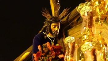 Desde procesiones hasta crucifixión en el viernes santo