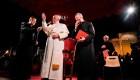 """Papa Francisco pide por los """"nuevos crucificados"""""""