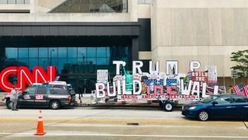El tour del muro con México recorre EE.UU.