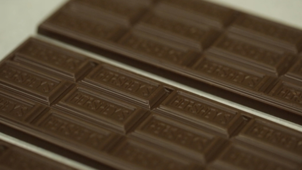 Esta es la primera vez que Hershey's rediseña su tableta de chocolate con leche desde que empezó a venderla en 1900.