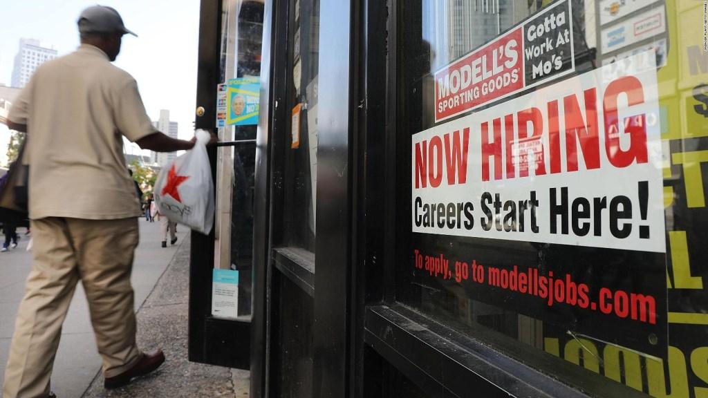 Cae la tasa de desempleo en EE.UU.