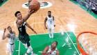 El fenómeno griego que arrasa en la NBA
