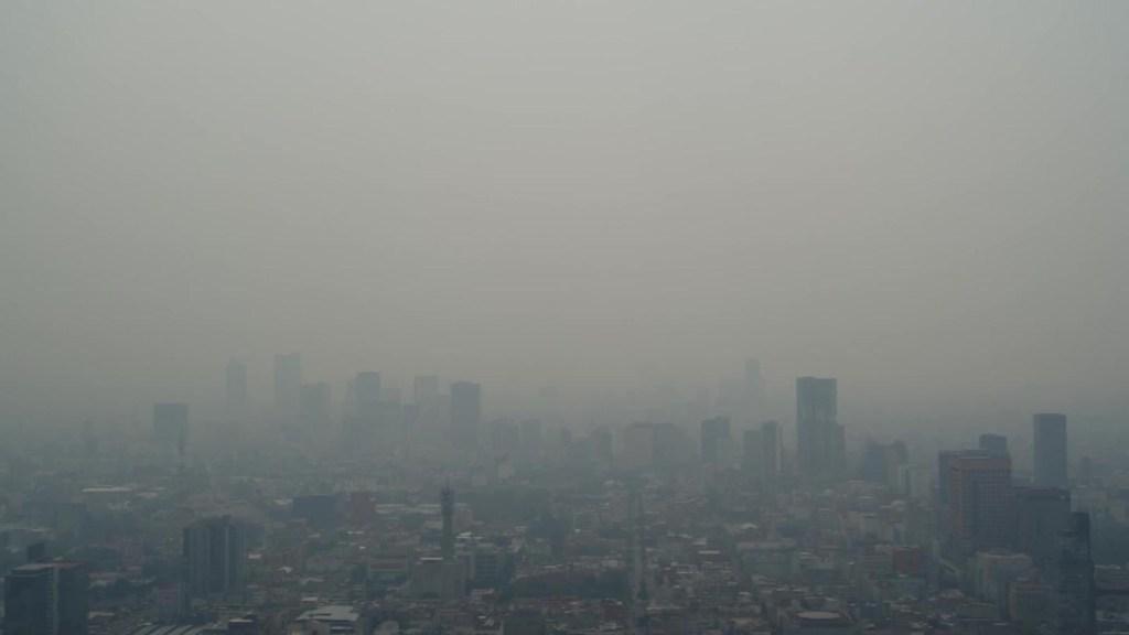 """La """"nata de esmog"""" que cubre la Ciudad de México"""
