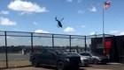 Graban caída de un helicóptero en el río Hudson
