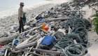 El plástico invade costas remotas
