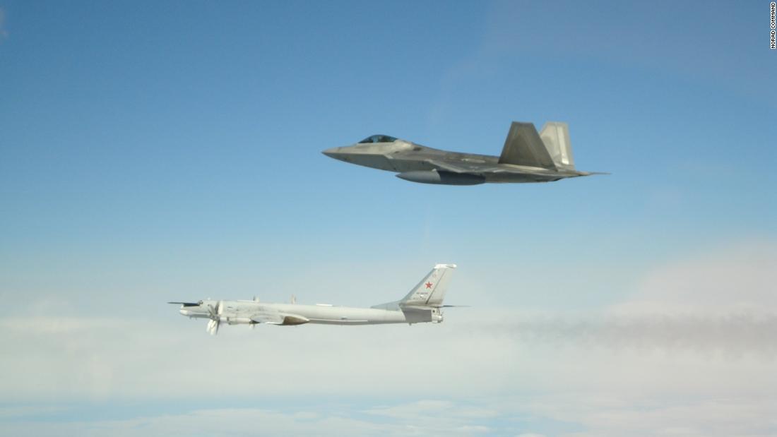 F-22, Alaska, bombardero ruso