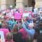 Activistas pro derecho al aborto salen a las calles