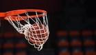 El increíble tiro de aro a aro de un jugador de básquet
