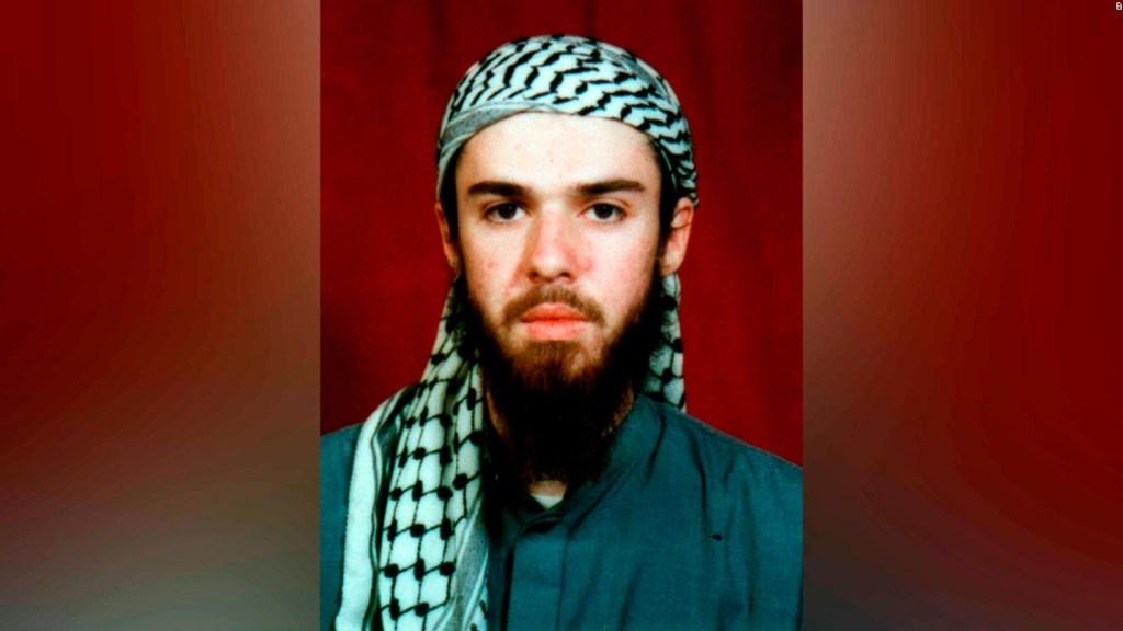 """Imágenes de la captura y el interrogatorio del """"talibán estadounidense"""""""