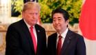 Trump contradice al primer ministro de Japón en visita oficial