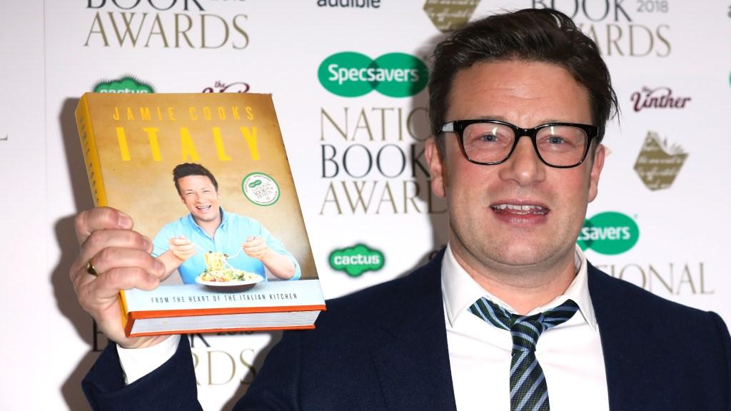 Jamie Oliver, autor de 'Jamie Cooks Italy', en los National Book Awards en RIBA el 20 de noviembre de 2018 en Londres, Inglaterra. Crédito: Tim P. Whitby / Getty Images