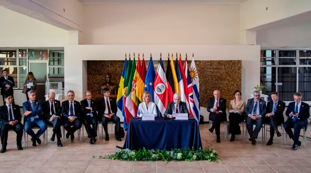Imagen de los miembros del Grupo de Contacto Internacional para Venezuela, cuando se reunió en San José, Costa Rica, el 7 de mayo. (Crédito: ARNOLDO ROBERT / AFP / Getty Images)