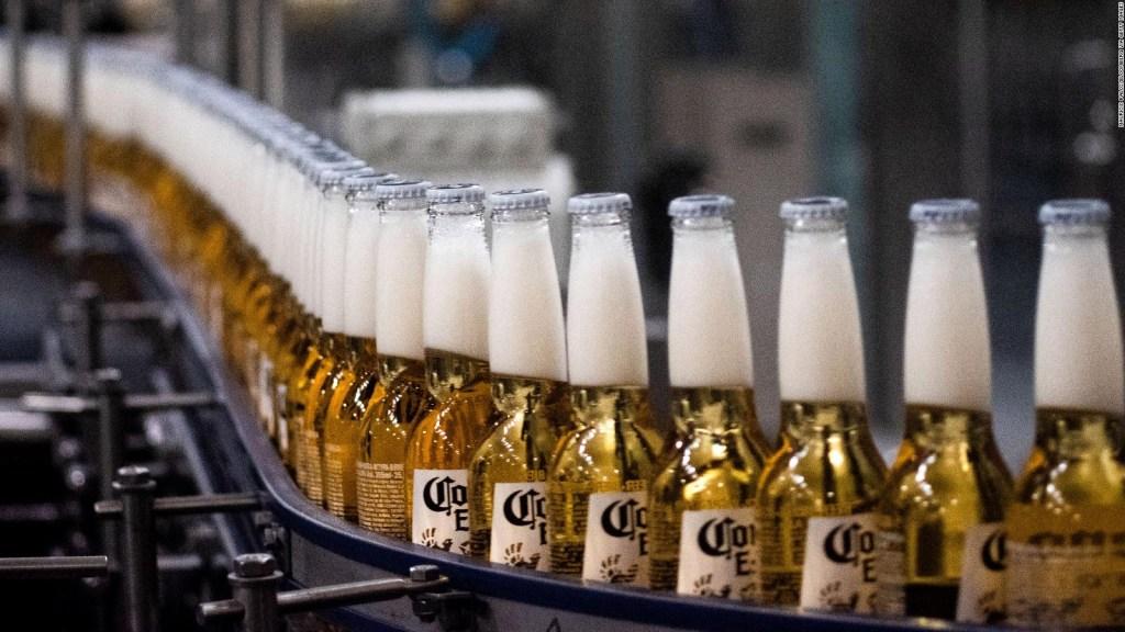 Suben 7% las acciones del importador de Corona y Modelo en EE.UU.