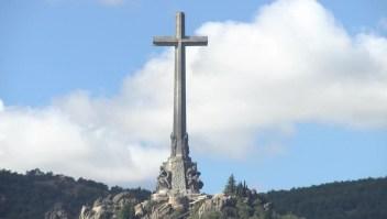 Suspende la exhumación de Franco