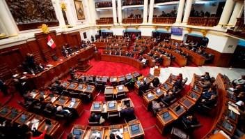 Congreso de Perú debate la cuestión de la confianza