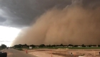 Mira una tormenta de arena como de película en Texas