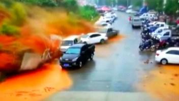 Estremecedor video de deslizamiento de tierra en China