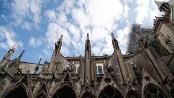 Primera misa en Notre Dame tras incendio voraz
