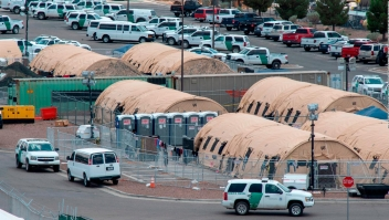 Funcionarios se oponen a devolver migrantes a México