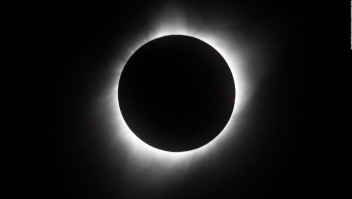 Todo lo que necesitas saber sobre el eclipse solar de 2019