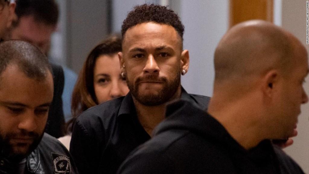 neymar-violacion-denuncia-modelo-paris-brasil