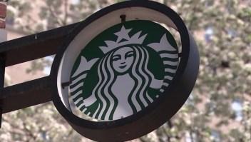 Starbucks se disculpa con policías expulsados de una tienda