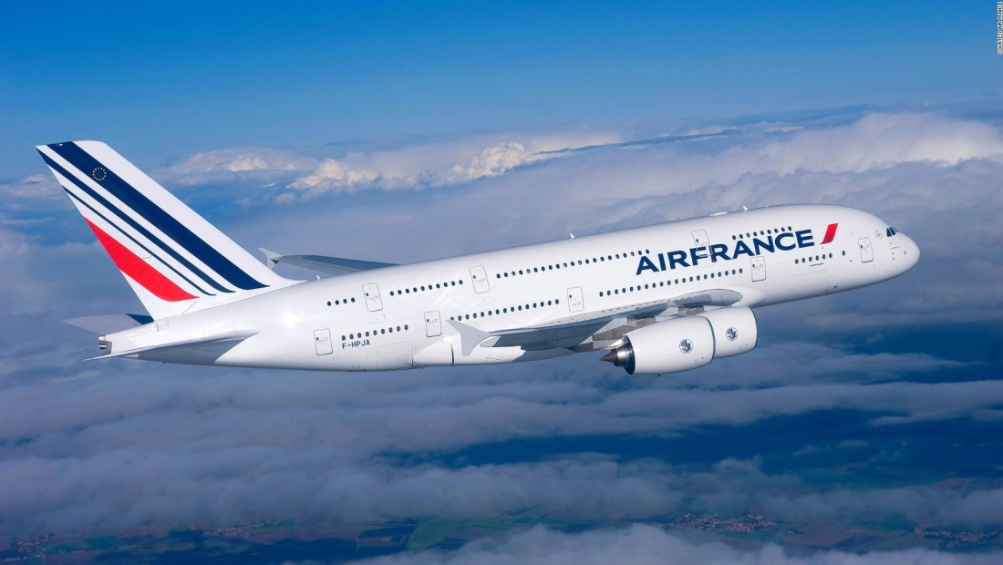 Francia planea fijar impuesto ecológico a aerolíneas