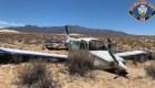 Impresionante aterrizaje forzoso de una avioneta en el desierto