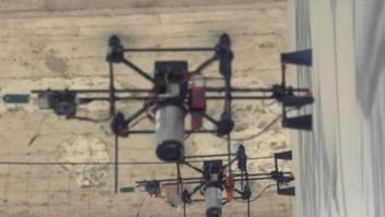 Drones grafiteros ilustran muro en Italia