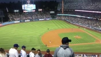 El momento del sismo el estadio de los Dodgers