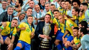 Bolsonaro celebra el triunfo de Brasil en la Copa América 2019