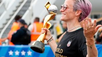 A ritmo de Queen recibieron a las campeonas de EE.UU.