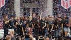 Equipo femenino de fútbol de EE.UU. celebra en Nueva York