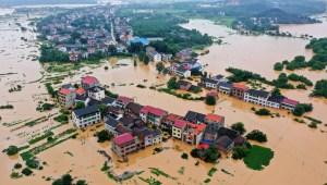 Cientos de miles de evacuados en China por inundaciones
