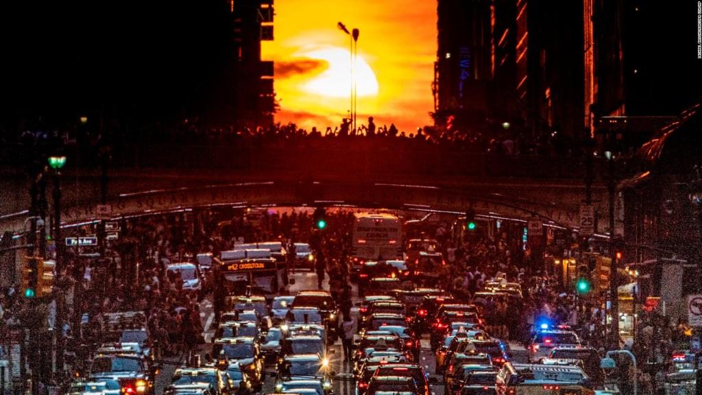 El raro fenómeno que sólo se ve dos veces al año en Manhattan