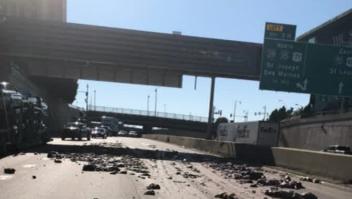 Camión lleno de intestinos de cerdo se accidentó en Missouri
