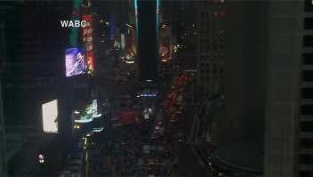 Mira el Times Square a oscuras