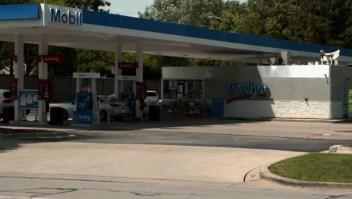 """Gasolinera """"vuelvan a su país"""""""