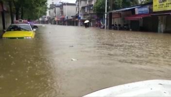 Masiva evacuación por torrenciales lluvias en China