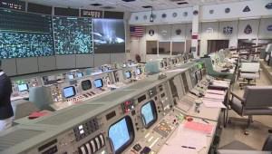 ¿Cómo lucía la sala de control de vuelo de Houston hace 50 años?