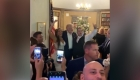 Trump sorprendió a una pareja en su boda