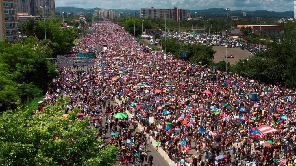 Imágenes de las protestas masivas en Puerto Rico