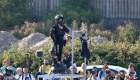 Hombre en tabla voladora fracasa al cruzar el Canal de la Mancha
