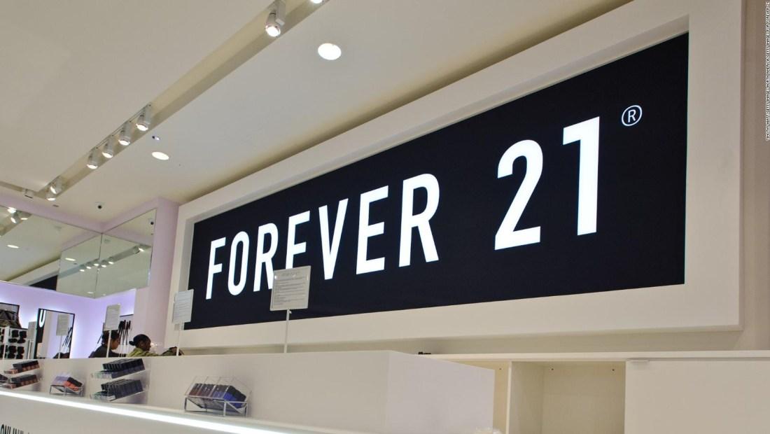 Regalo de Forever 21 ofende a sus clientas de tallas grandes