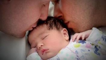 Negaron ciudadanía a bebé hija de pareja homosexual